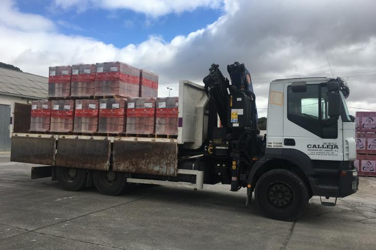 Calleja - Derivados del Cemento - Transportes, Gruas y Contenedores